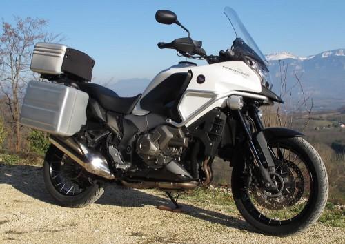 location moto Tullins Grenoble honda VFR1200X CROSS TOURER 1