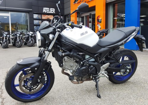Location moto Grenoble Suzuki Vstrom 1