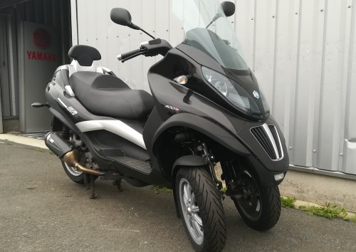 location scooter lannion Piaggio 400 MP3