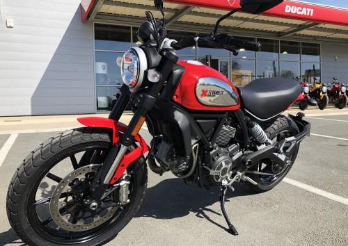 Location moto La Rochelle Ducati 800 Scrambler 4
