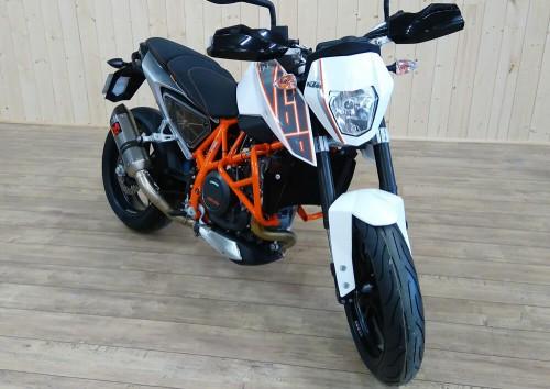 Location moto Le Mans KTM LC1 690 DUKE 1