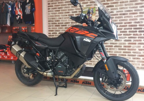 Location moto Les Sables-d'Olonne KTM 1290 Super Adventure 1