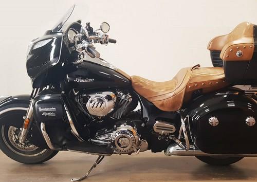 Location moto Marseille Indian Roadmaster 1