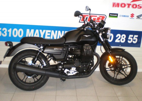 Location moto Mayenne Guzzi V7 III Stone 3
