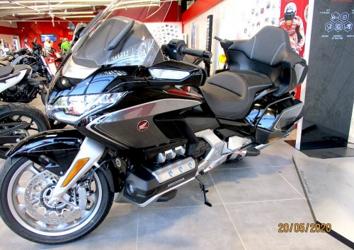 Location moto Montpellier Honda VFR 800 F 2