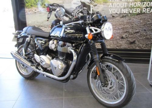 Location moto Montpellier Triumph Thruxton 1200 R 5