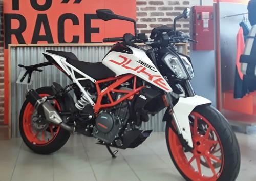 Location moto Les Sables-d'Olonne KTM 390 Duke 3