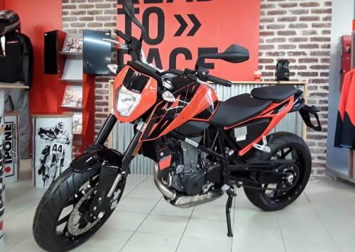 Location moto Les Sables-d'Olonne KTM 690 Duke 1