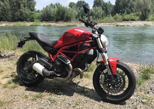 Location moto Pau Ducati Monster 797 2