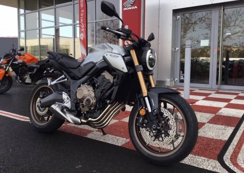 location moto Périgueux Honda CB 650 R 7733