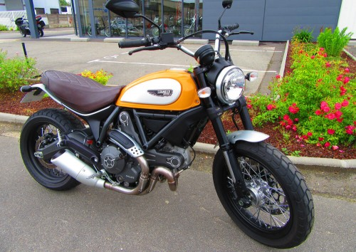 Location moto Rennes Ducati Scrambler ICON 1
