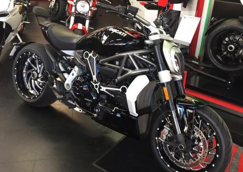 Location moto Rouen Ducati X Diavel 1