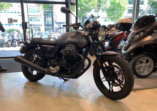 location moto rouen Guzzi V7 III Stone 1