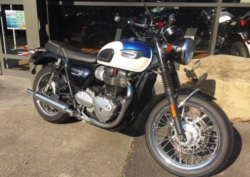 Location moto Chalon-sur-Saône Triumph Bonneville T100 1