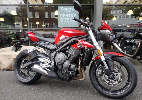 Location moto Rouen Triumph Street Triple 660 S