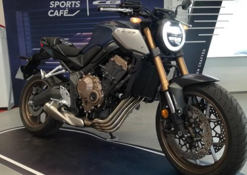 location moto Annonay Honda CB 650 R 1