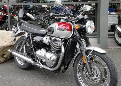 Location moto Rouen Triumph Bonneville T120 2