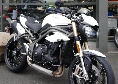 Location moto Rouen Triumph Speed Triple 1050 S