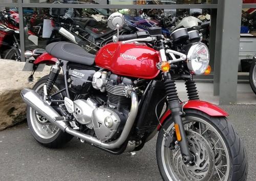 Location moto Rouen Triumph Thruxton 2
