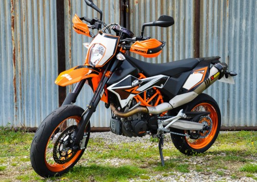 Location moto Valence KTM Supermotarde 690 1