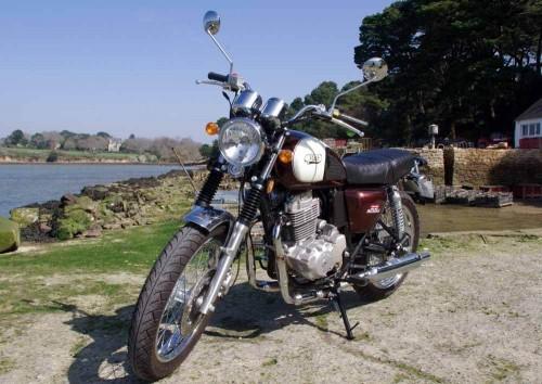 Location moto Vannes Mash 400 1