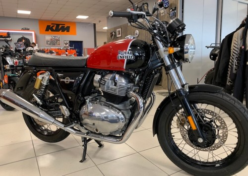 Location moto vannes Royal Enfield Continental GT