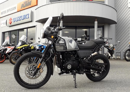 Location moto vannes Royal Enfield Continental GT