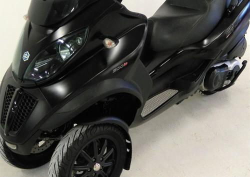 Location scooter Le Mans PIAGGIO MP3 500 1