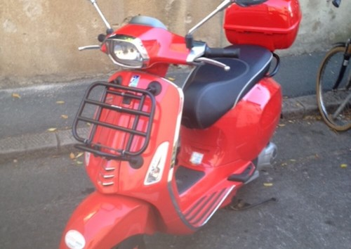 Location Scooter Biarritz Vespa 125cc 2