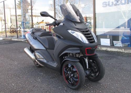 location scooter Blois Peugeot Metropolis 400 8235