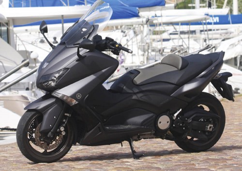 location scooter Calvi Corse Yamaha TMAX 530