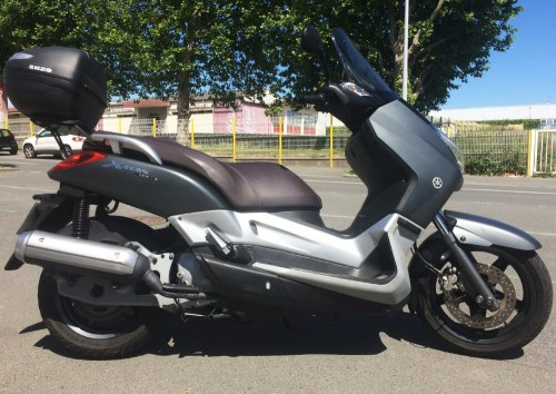 location scooter Dinan Yamaha 125 Xmax 1