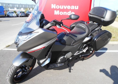 Location scooter La Rochelle HONDA INTEGRA 750 7