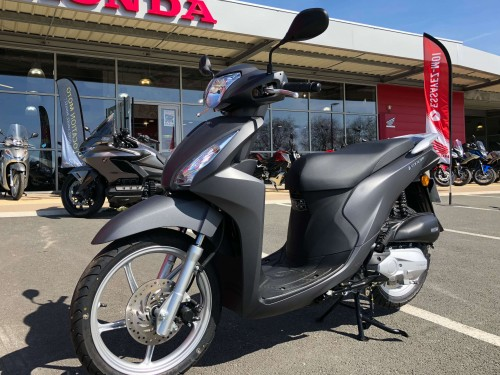 location scooter larochelle Honda Vision 110 1