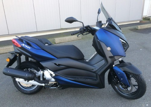 Location scooter Laval Yamaha 125 XMAX 3