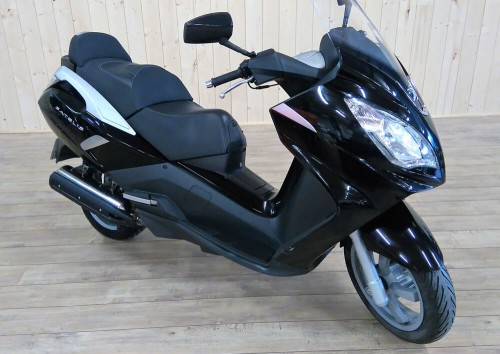 Location scooter Le Mans PEUGEOT 125 SATELIS ABS 1