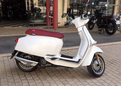 location scooter Metz Lambretta v125