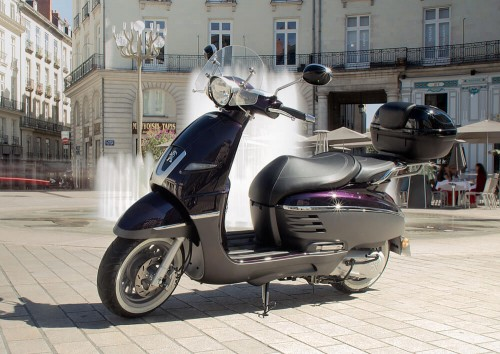 Location scooter nantes Peugeot 125 Django