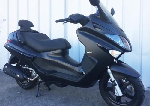 Location scooter Narbonne PIAGGIO 125 XEVO 3