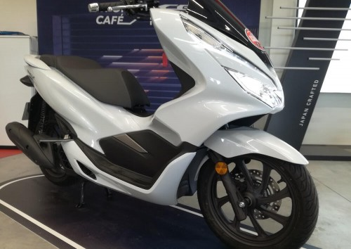 location scooter Annonay Honda PCX 125
