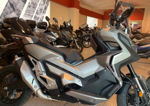location moto Villejuif Honda Africa Twin 1000 CRF 7791