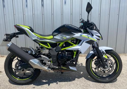 location moto Marseille Kawasaki Z 125 14705