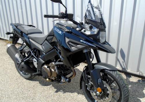 Location moto Benelli Trek 502 0