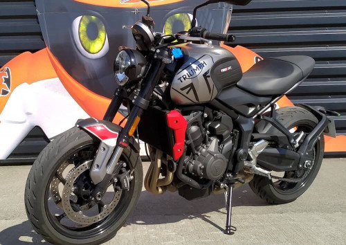 location moto Le Mans Triumph Bonneville T100