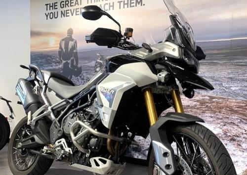 Location moto Rouen Triumph 800 tiger XCA