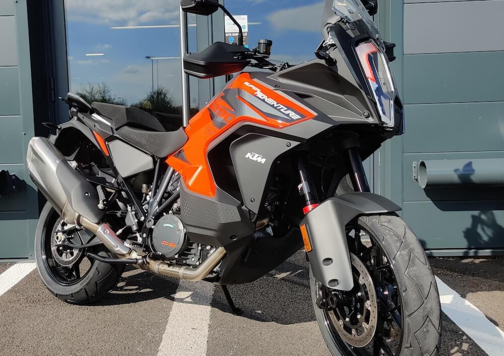 Vannes KTM 890 Adventure A2 motorcycle rental 15293