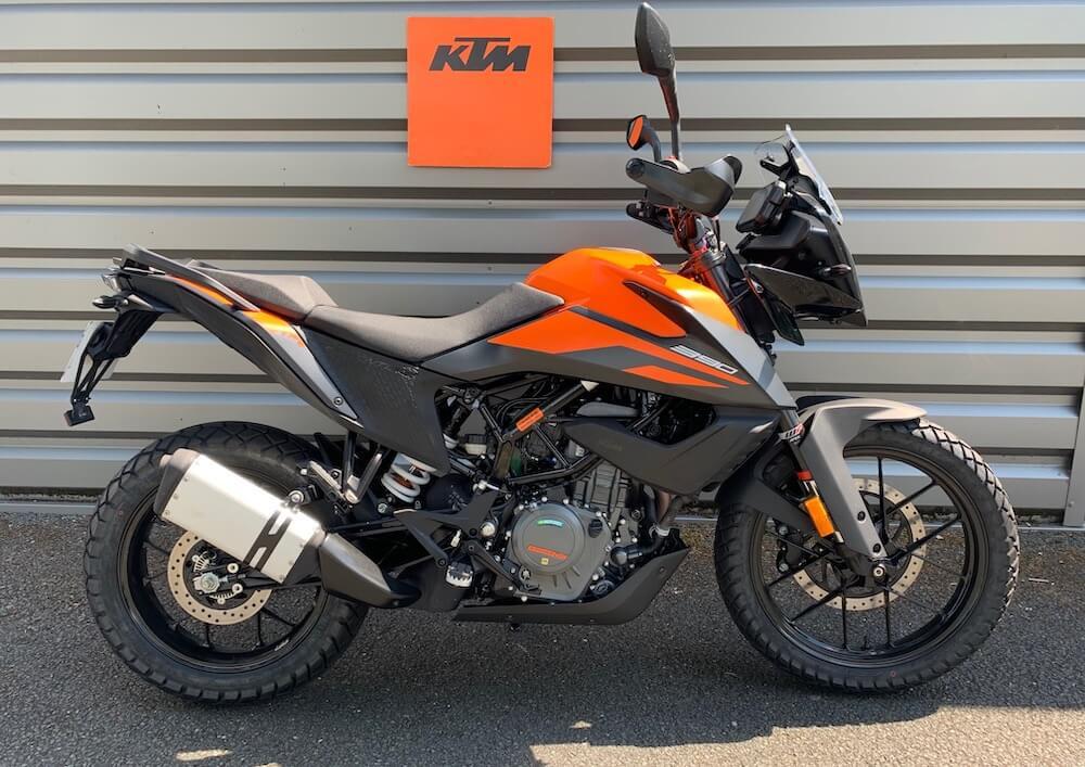 Angers KTM 390 Adventure motorcycle rental 15596