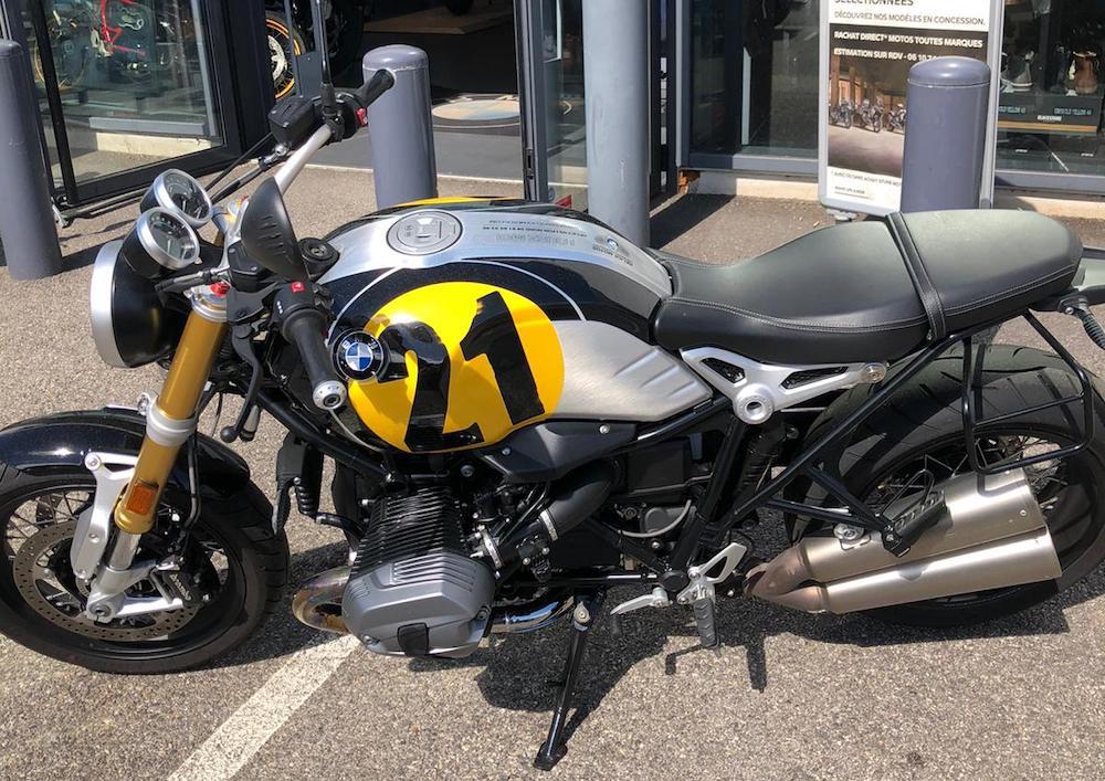 Lyon BMW R Nine T motorcycle rental 15056