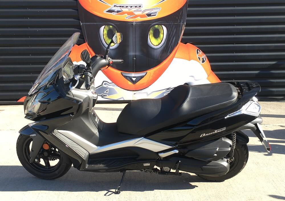 Le Mans Kymco 125 Downtown scooter rental 14791