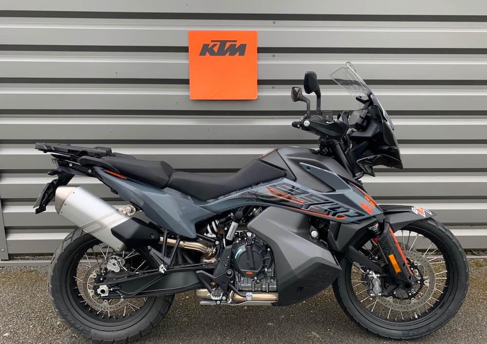 Angers KTM 890 Adv motorcycle rental 15622